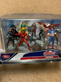 Marvel Avengers deluxe heroes figures set