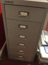 Metal storage drawers/cabinet