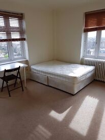 AN EXTREMELY BIG DOUBLE ROOM IS AVAILABLE IMMEDIATELY TO RENT AT ST. JOHNS WOOD
