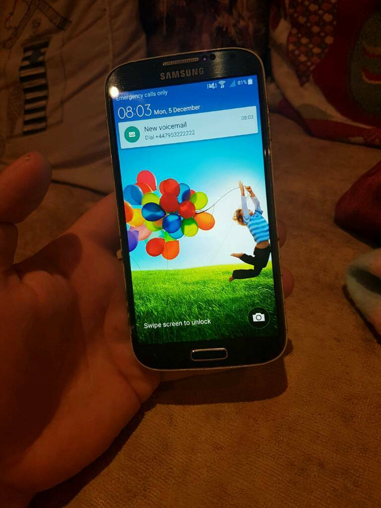 Samsung Galaxy s4 unlockedin Leamington Spa, WarwickshireGumtree - Samsung galaxy s4 would like 70 for it o.v.n.o . Unlocked . Collect from Lighthorne Heath but can deliver if not to far . Cracking in screen does not effect use of the phone at all