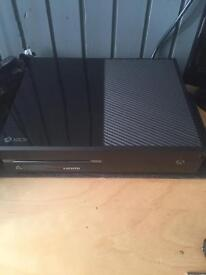 Xbox One 500gb with 4 games and 2 controllers
