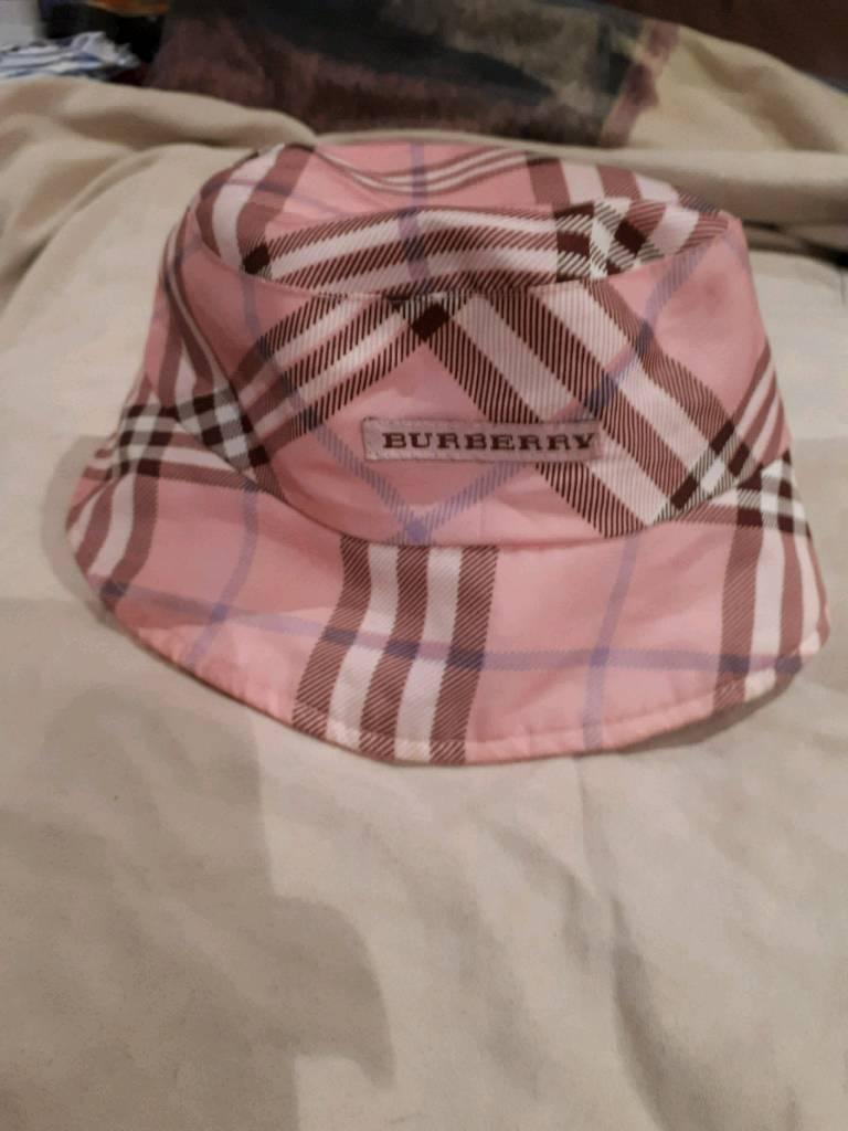 94df68295f018 Women s Burberry bucket hat