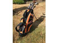 Complete set of Dunlop MX II Golf clubs (Mens, RH) plus carry bag