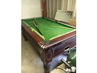 Pub pool table electronic ball release with keys
