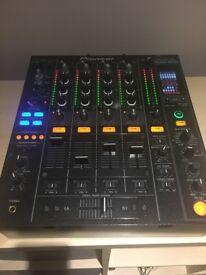 Pioneer DJM800 Mixer excellent condition boxed inc flight case