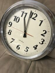SETH THOMAS EXTRA-LARGE WALL / OFFICE CLOCK...EXCELLENT CONDITION
