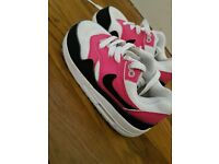 Girls toddler NIKE airmax trainers