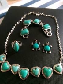 Matching jewellery set