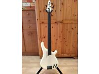 Tune Bass Maniac 4 String Fretless with piezo pickup system