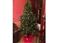 Christmas Tree - Slim, Pre-Lit