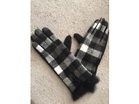 Women's fur trimmed gloves