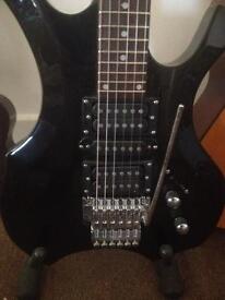 Heavy rock lead guitar.