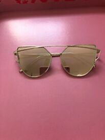 988630cc98d Gold Mirrored Sunglasses