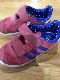 Kids Adidas trainers size 8.5