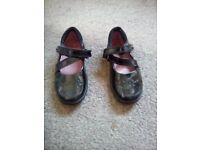 Girls Clarks shoes size 7f