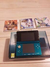 Nintendo 3DS Aqua Blue with 3 games and case