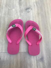 Kids Havaianas Pink flip flops size 27-28 (uk child size 9-10)