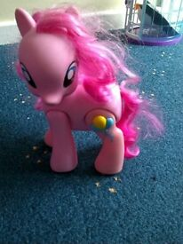 My Little Pony walking and talking Princes Cadance