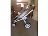 Quinny Moodd Natural Delight Stroller for sale in excellent condition.