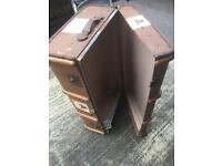 Retro vintage old suitcase Upcycle shabby chic project