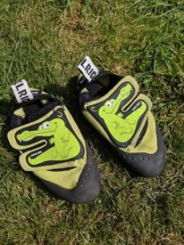 Edelrid Crocy childs Rock Climbing shoes size 1 -2 in uk sizes ( great for the climbing gym/wall)