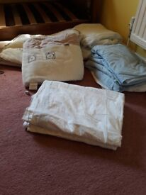 Cot bumper and quilt set fitted sheets
