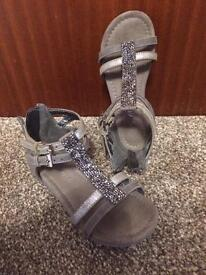 Girls shoes size 10