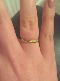 18ct Yellow Gold, Diamond crossover ring (Size N)