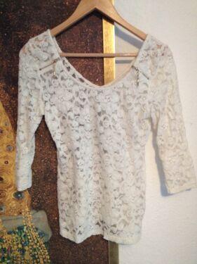 744c87fcc52b Elegantes Oberteil Shirt Bluse aus Spitze von Peace n  Love XS in Köln