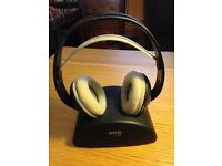 AKG K 912 Wireless UHF stereo headphone optimized for movies, games and music.