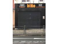Shop to let in Oldham Ashton Road