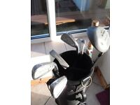 Lady's Golf Club Set. Excellent Condition. With Bag & Golf Umbrella