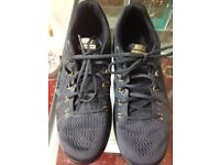 Nike Reax Lightspeed Black and Gold trainers size 8.5 used once