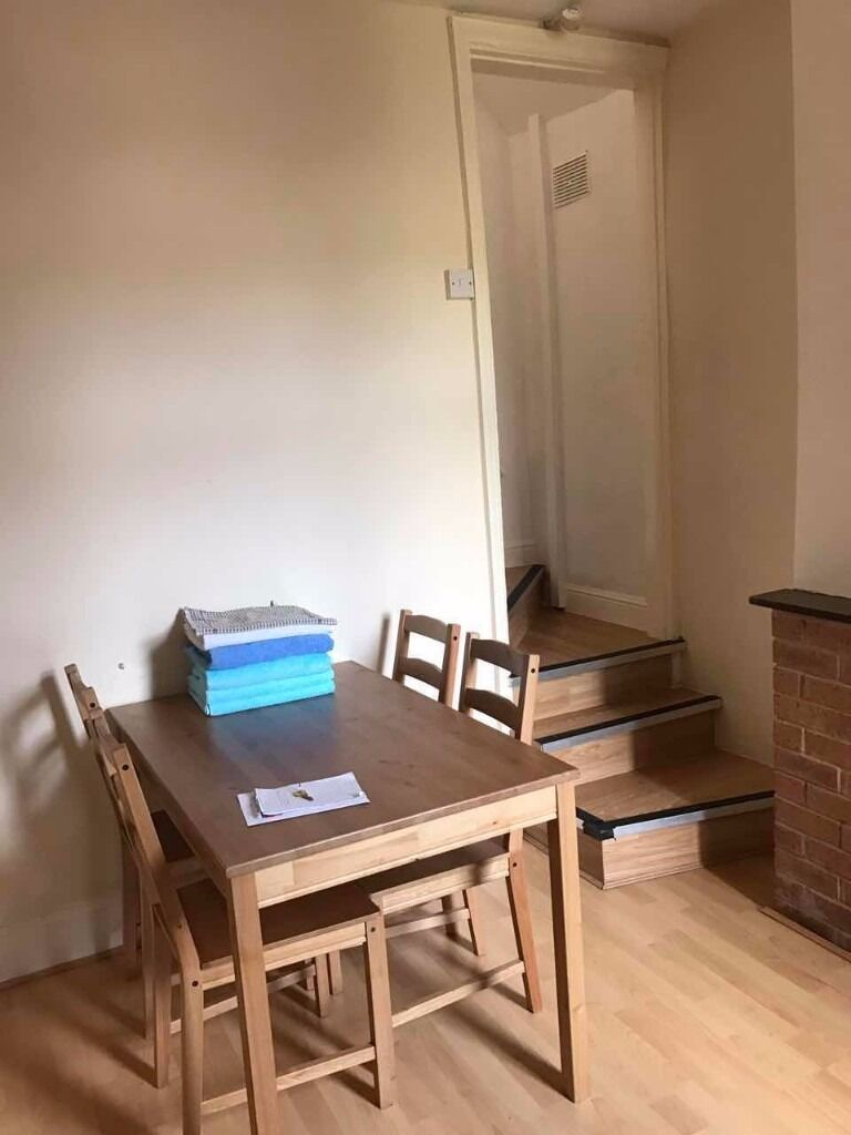 Four Bedroom Terraced House in Selly Oak Close To UoB and QE