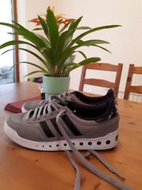 grey/white/black adidas size 7 hardley warn so good condition