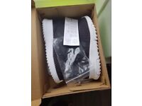 Adidas Racer TR Brand New still in box, toddler size 9