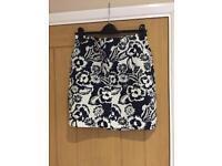 Tommy Hilfiger navy/white skirt - size 10