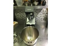 MIXER KENWOOD LIKE NEW 4.6lt