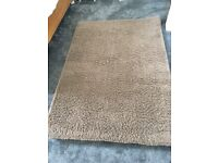 Soft mink rug for sale 4ft x 5ft 9 hardly used. Cost £50 will accept £30 immaculate condition