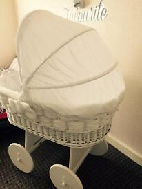 Moses basket to sell
