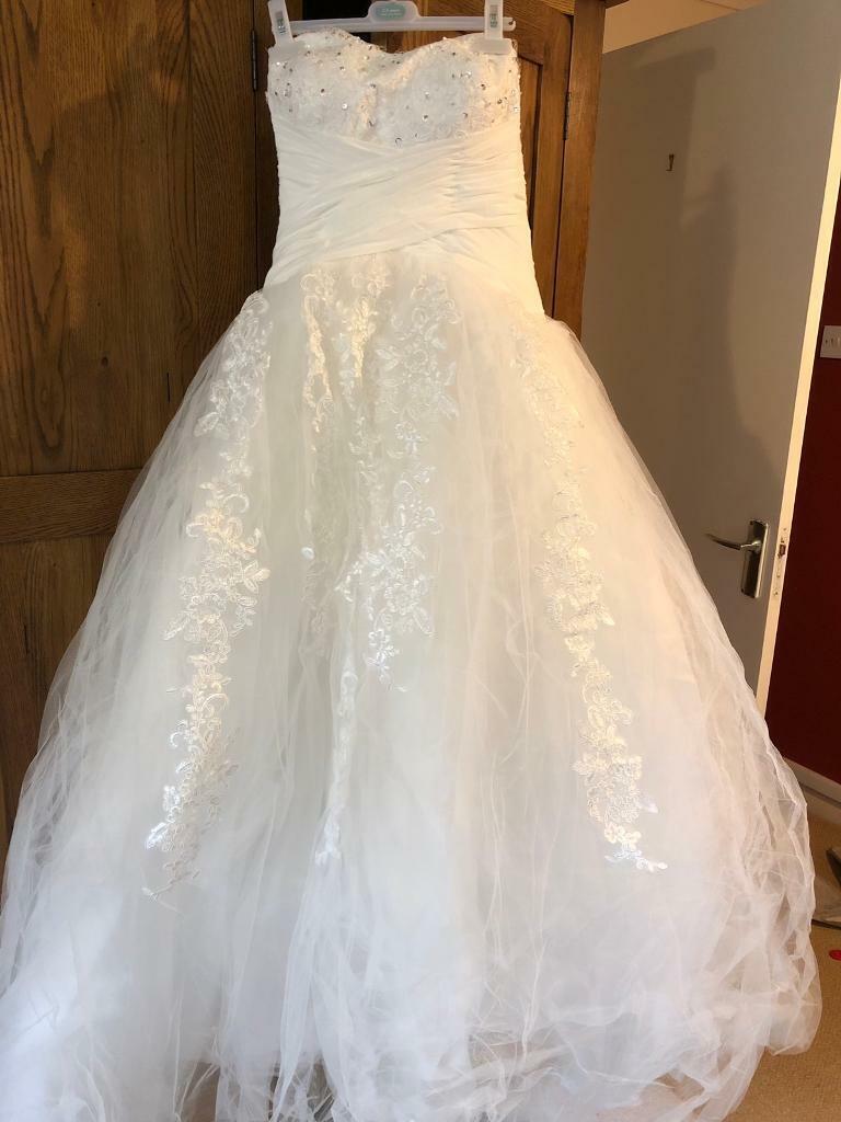 Beautiful Wedding Dress Cash Only In Southampton Hampshire