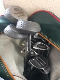 Set of Classic golf clubs and Dunlop bag