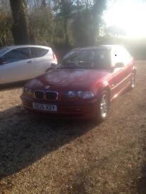 STUNNING shiny red BMW 318i 1.9 4 dr 200(X)