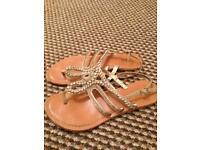 Ladies flip flops 5