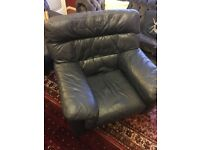 Leather arm chair very good condition, collection from Twyford £40