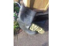 MensBlack Dunlop Warwick Wellington Boots size 9 (43)