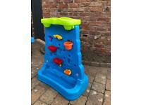 Children's water fountain