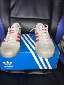 Adidas Hochelaga Grey and red DEADSTOCK Adult UK size 7