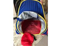 Pop up tent and carry bag