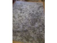 Silver/grey Rug 1.5 metres by 2 metres in size